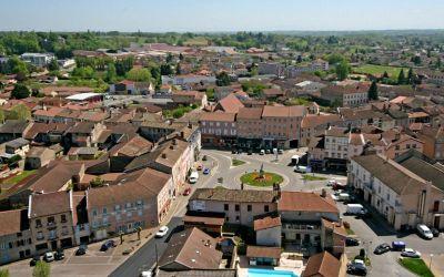 Pont-de-vaux et la place Joubert