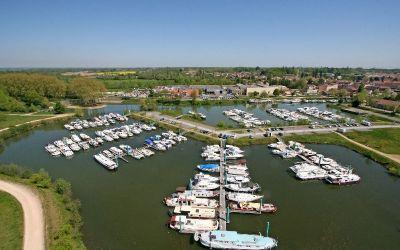 Les deux bassins du port de Pont-de-Vaux