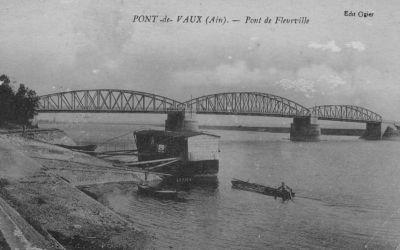 Le pont de Fleurville sur la Saône et le bateau lavoir